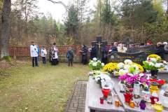 Dzien-Zaduszny-i-cmentarz-noca-Rudka-2019-07